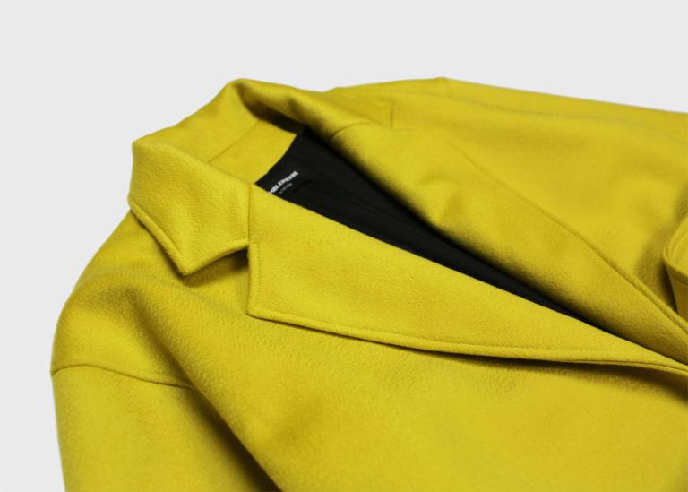 tremblepierre-manteau-cachemire-jaune