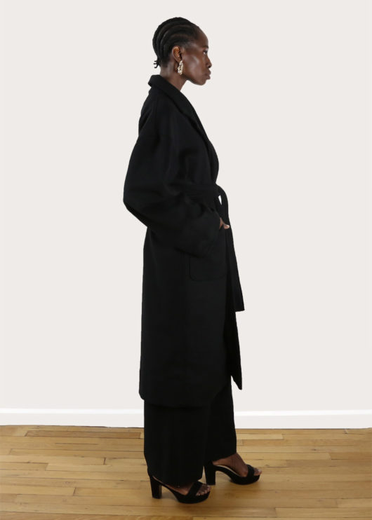 tremblepierre-noir-manteau